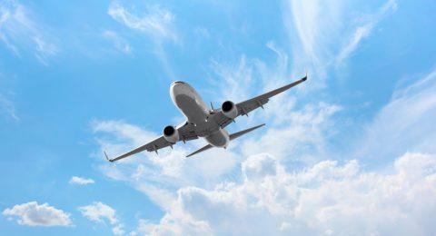 Anreise Flugzeug Shutterstock 1