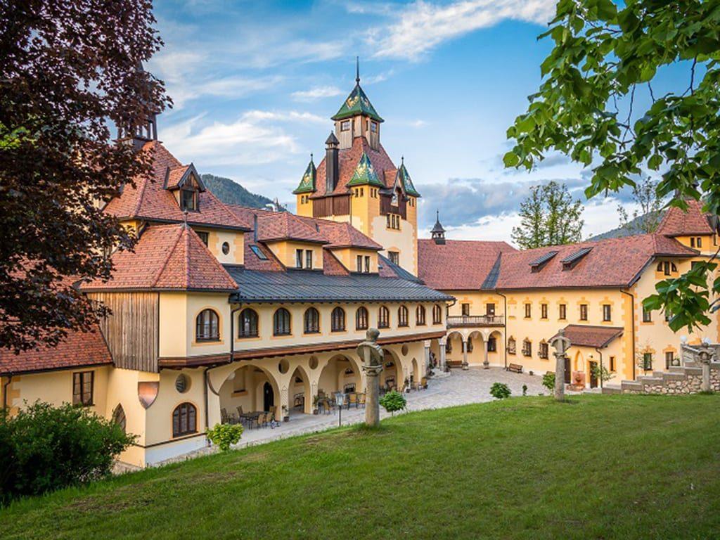 Kassegg Ennsradweg Naturhotel Schloss Kassegg Christian Fuernholzer